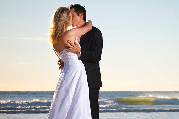 Crowne-Plaza-Limassol-Weddings-Cyprus-Beach-Hotel