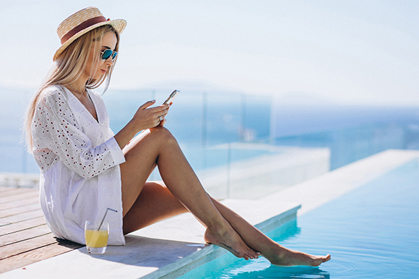 Crowne-Plaza-Limassol-Beach-Hotel-Cyprus-Relax-by-pool